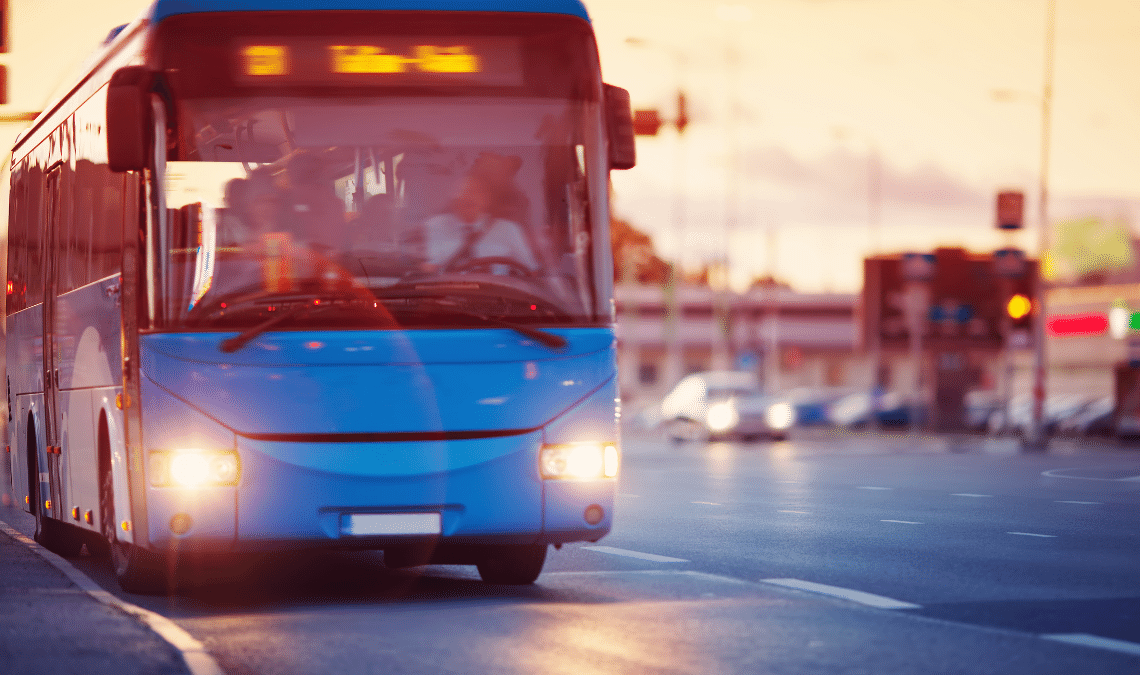 bepergian dengan bus