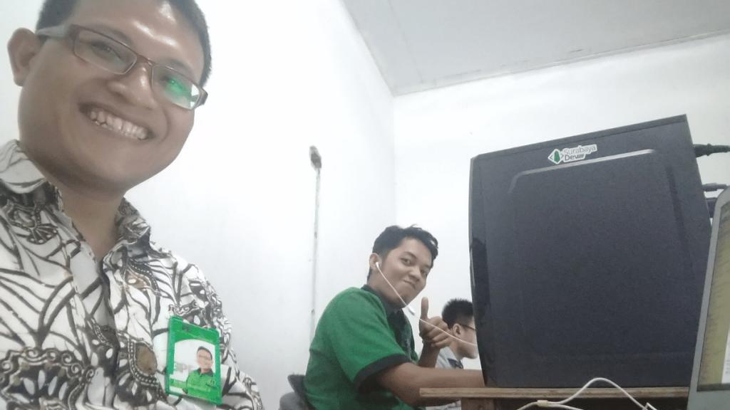 Menjaga Kesehatan Mata di aktifitas kantor