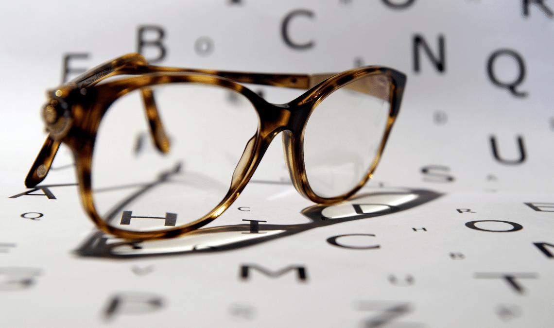 kacamata di SATURDAYS
